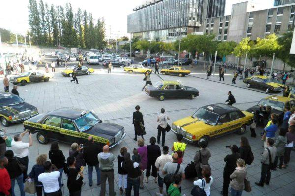 Taxi © Nil Obstrat
